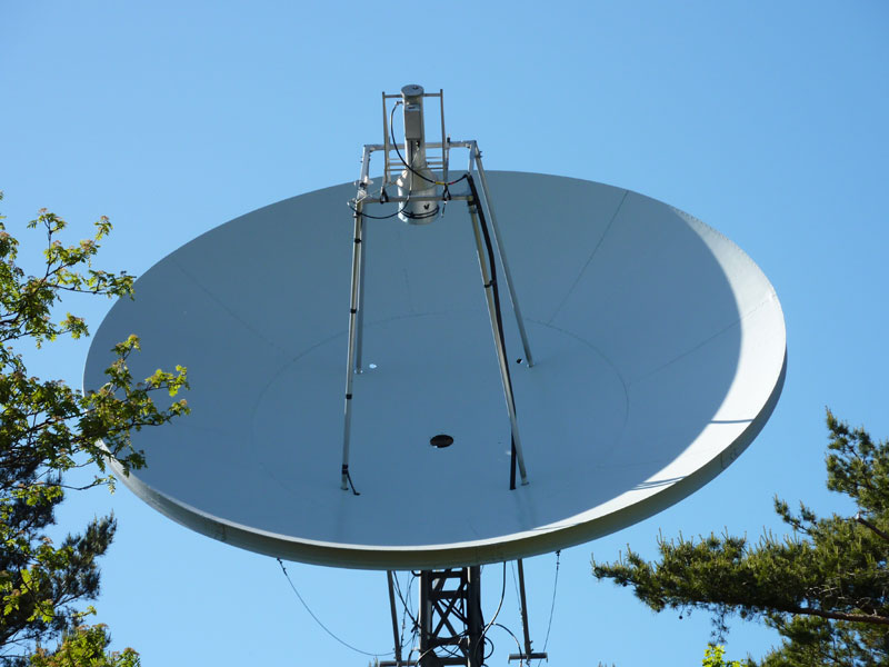 SM6FHZ 5.5 m dish with 23 cm feed